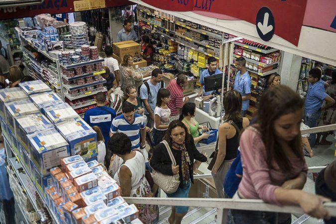 Consumidor agora se preocupa mais com preços