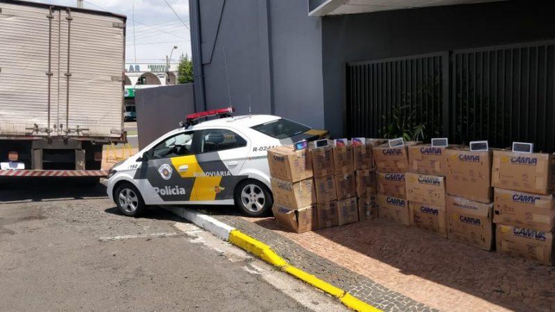 Caminhoneiro é preso com mais de mil celulares sem nota fiscal