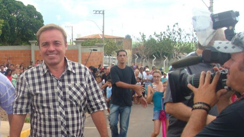 Gugu realizou sonho de moradora de Aracanguá em 2012