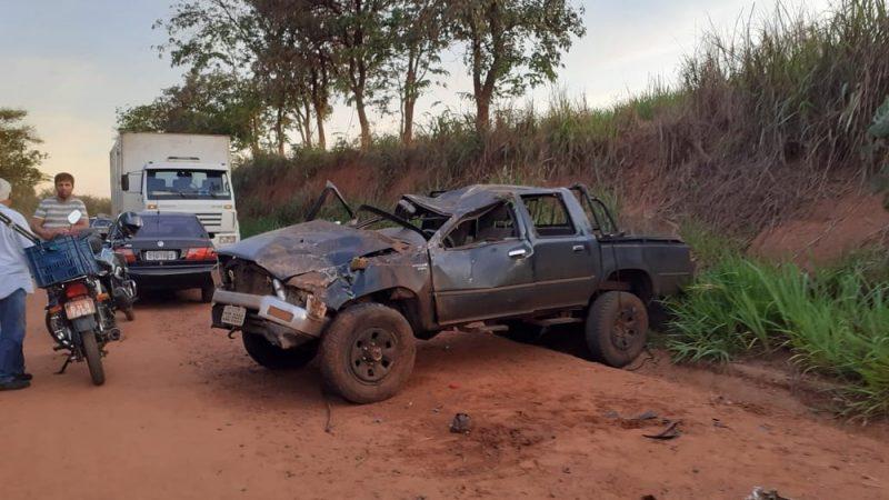 Policial aposentado morre ao ser arremessado de caminhonete
