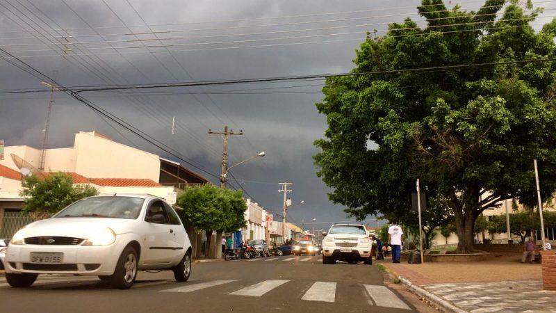 Defesa Civil alerta para risco de chuvas volumosas causarem transtornos