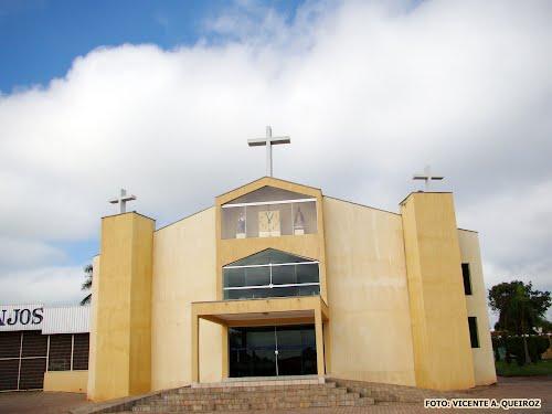 Homem é preso por furtar violão de igreja em Guzolândia