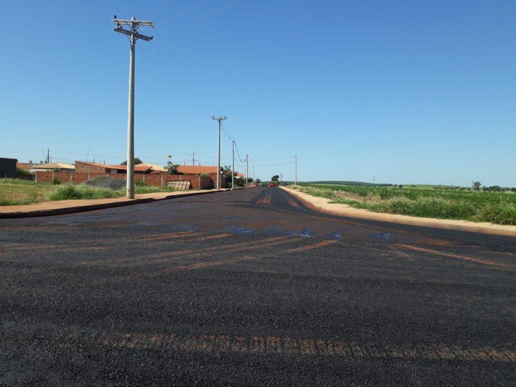 Aracanguá finaliza pavimentação asfáltica no distrito de Major Prado