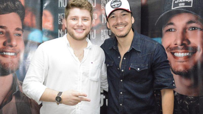 Show com Neto & Jr marca virada do ano em Guzolândia