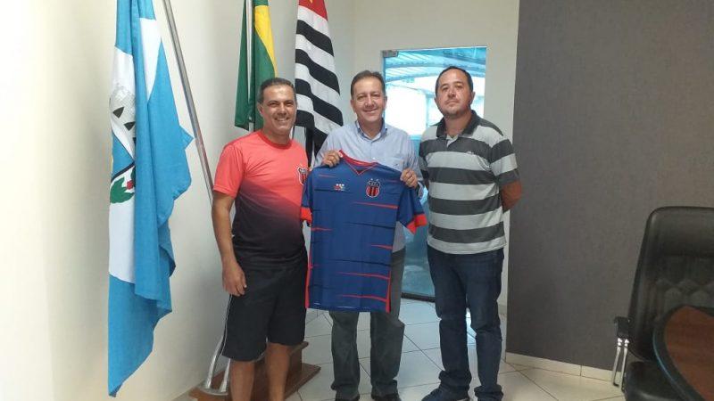 Em busca de talentos no futebol, Guzolândia firma parceria com clube de RO