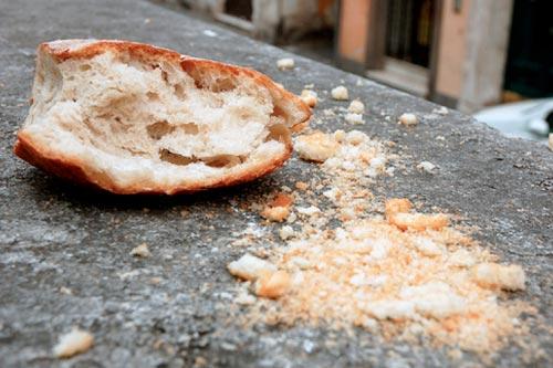 Idosa morre depois de engasgar com pedaço de pão