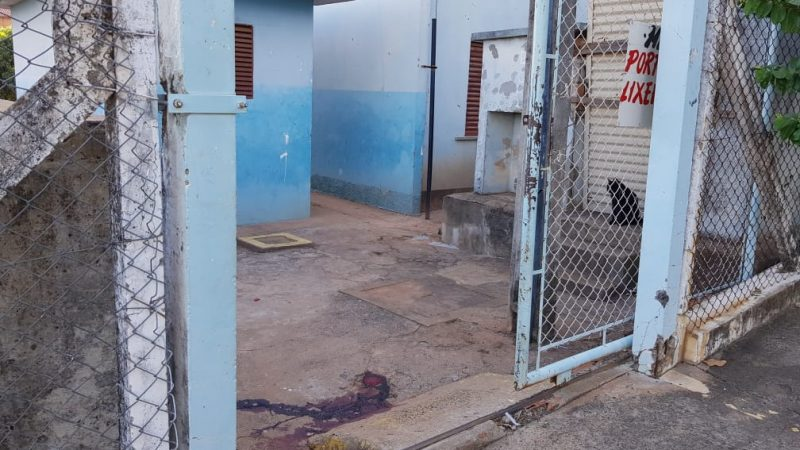 Jovem é atingido por tiros nos predinhos em Auriflama
