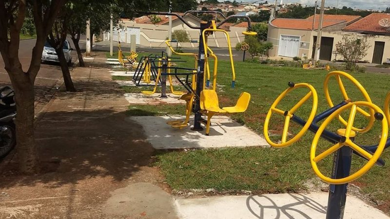 Praça do Jardim Conceição recebe equipamentos esportivos