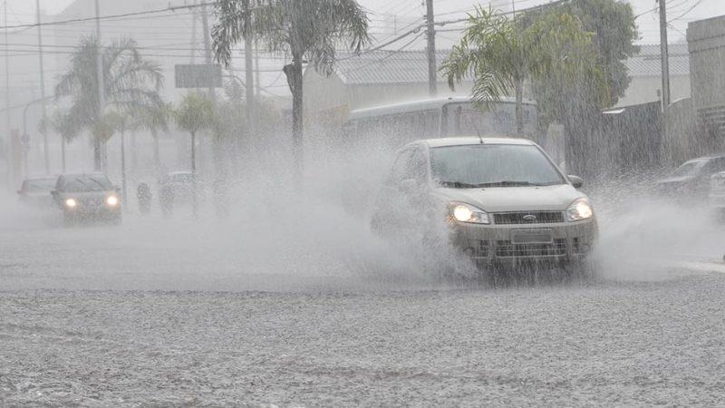 Defesa Civil alerta para chuvas volumosas na região