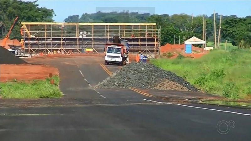 Obras na rodovia Feliciano Sales Cunha estão atrasadas