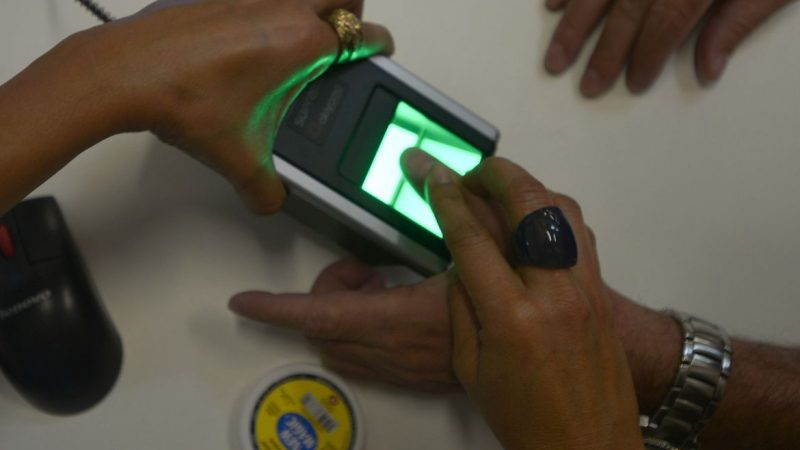 Justiça Eleitoral suspende cancelamento de títulos sem biometria