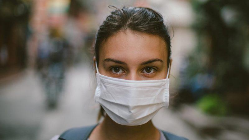Brasil adota uso de máscaras como política de saúde pública