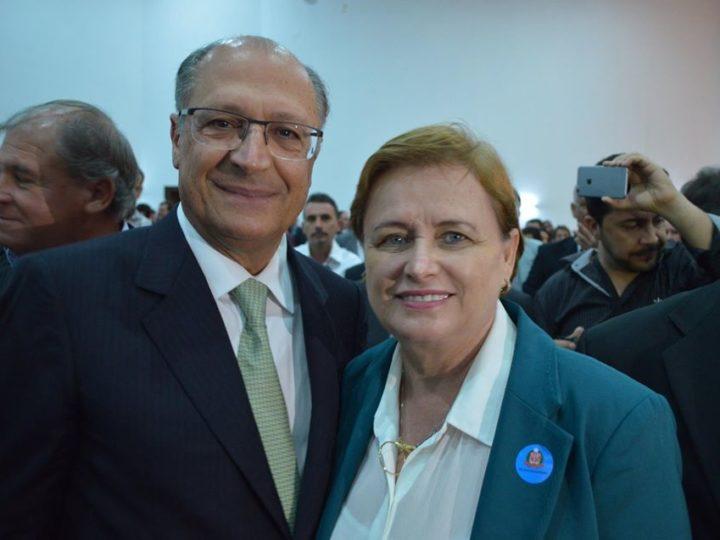 Há 4 anos, Ivanilde Rodrigues assinava convênio para construção das casas