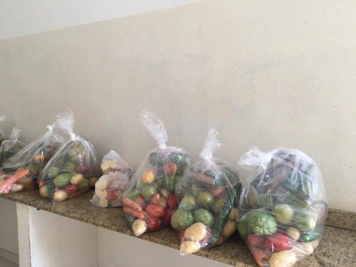 Auriflama distribui 200 kits de alimentação