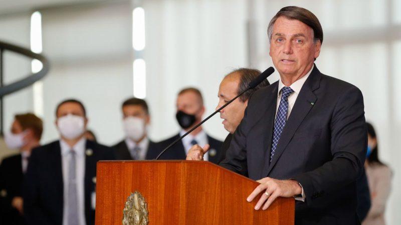 Bolsonaro fala em estender auxílio emergencial até o final do ano