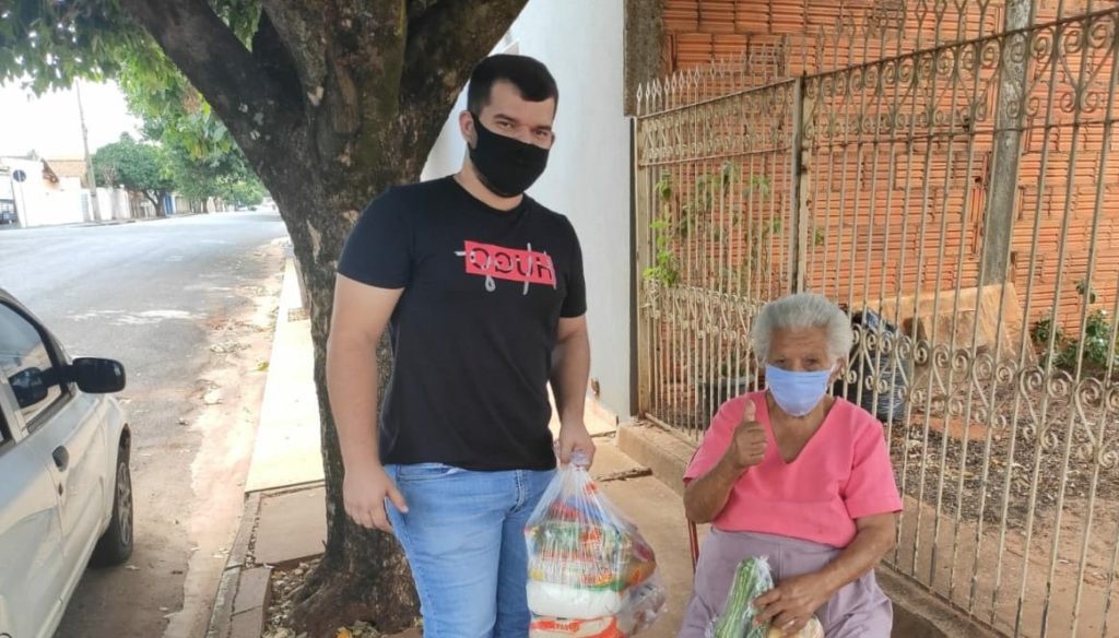 Salgadense doa cestas básicas para famílias carentes com prêmio do Saúde Cap