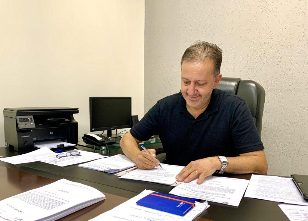 Júnior encerra quarto mandato com obras e mais de R$ 3 milhões em caixa
