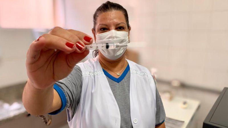 Auriflama começa vacinar profissionais das farmácias, clínicas e laboratórios