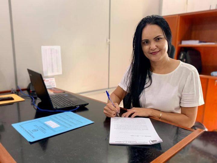 Katia Morita vai extinguir 24 cargos e prevê economia de R$ 2 milhões por ano