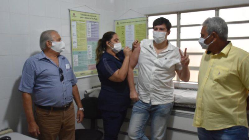 Aracanguá recebe 80 doses de vacina anti-Covid-19 de Oxford