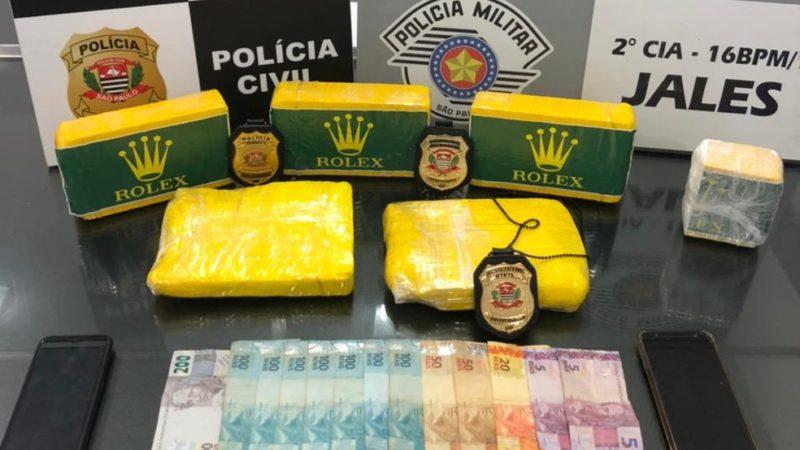 Dois homens são presos com mais de cinco quilos de cocaína em Jales