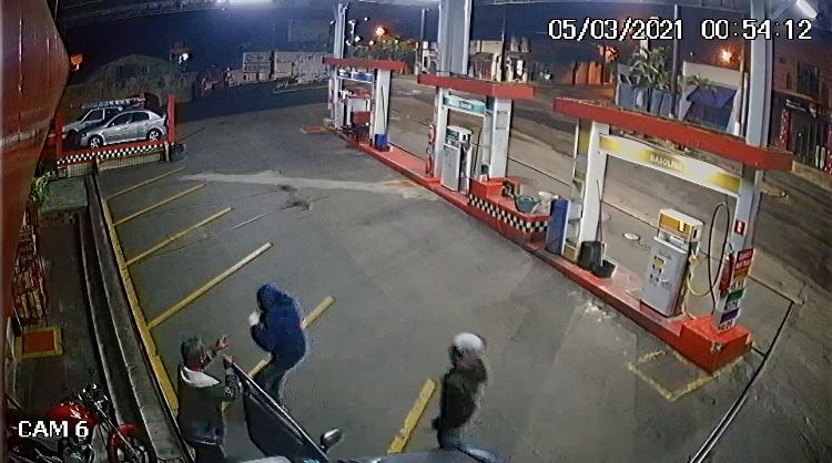 Bandidos roubam frentista de posto de combustível em Auriflama