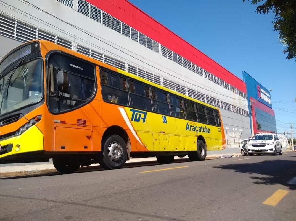 Idosa morre atropelada por ônibus do transporte coletivo em Araçatuba