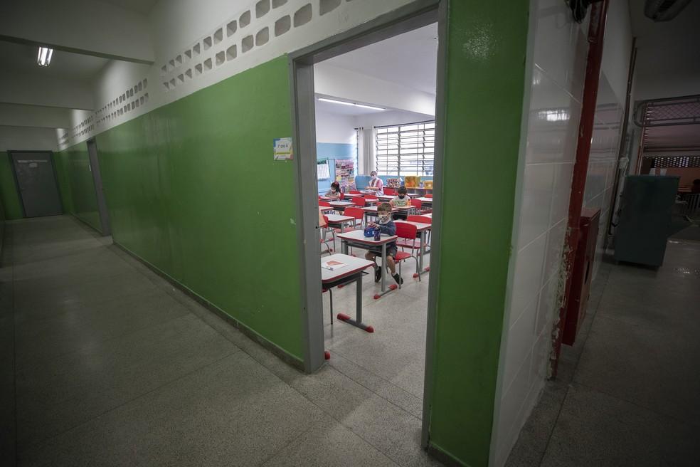 Escolas estaduais de SP retomam aulas presenciais a partir desta quarta-feira
