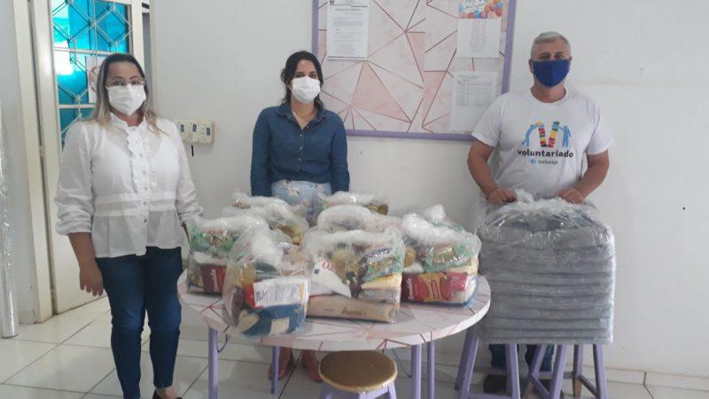 Social recebe doação de alimentos e cobertores da Sabesp