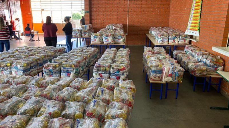 Guzolândia vai entregar 355 kits merenda na quinta-feira