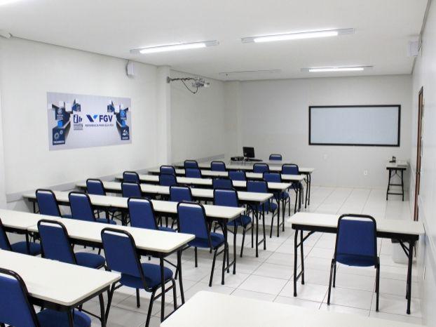 Vagas para cursos de alvenaria e recursos humanos estão abertas na região