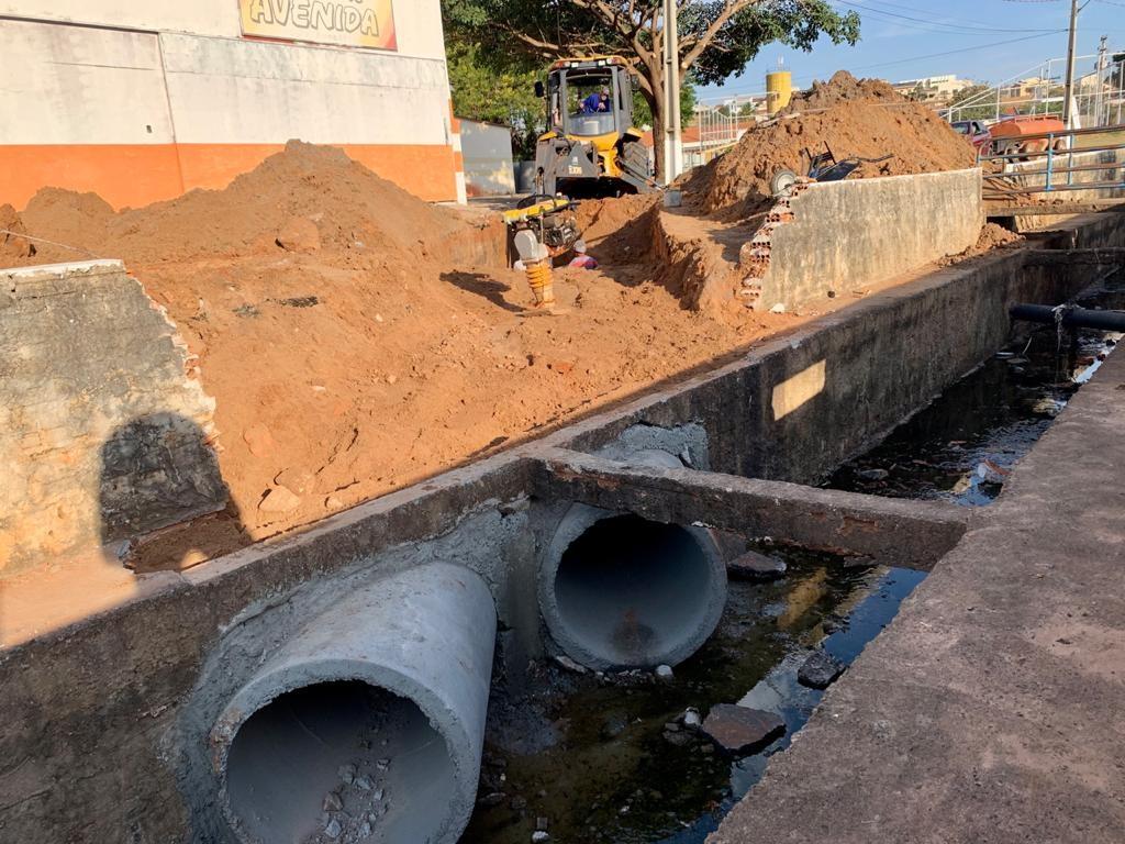 Prefeitura realiza obras para evitar enchentes na avenida Margarida