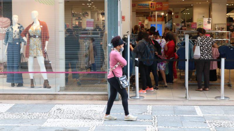 SP aumenta horário do comércio e capacidade de ocupação para 80%