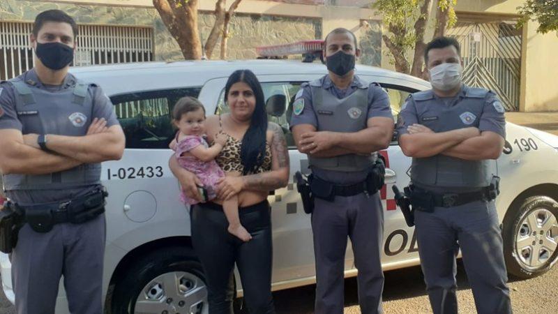 Policiais militares resgatam criança engasgada com leite em atendimento a ocorrência de roubo em Birigui