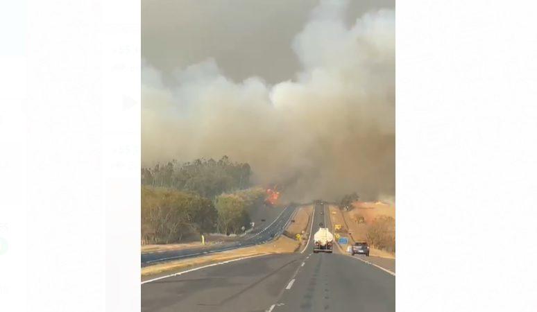 Trânsito em rodovia da região é prejudicado por incêndio em canavial