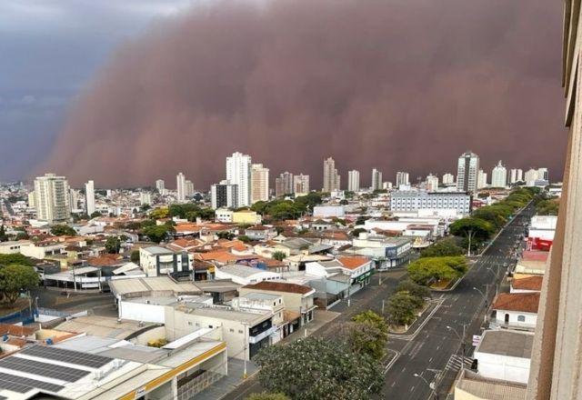 Tempestade de areia atinge cidades paulistas
