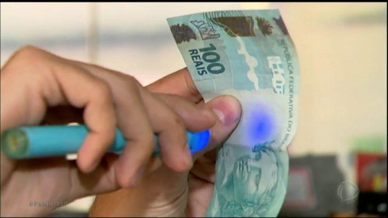 Em Guzolândia, Polícia prende homem condenado por falsificar dinheiro